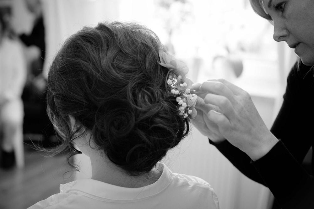 Hochzeitsreportage Brautfrisur