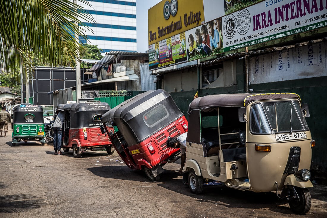 Tuk Tuk Werkstatt in Colombo, Sri Lanka