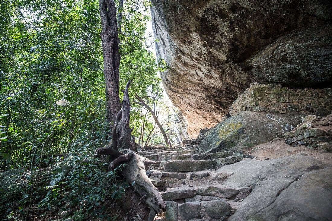 Treppenaufstieg zum Pidurangala Rock