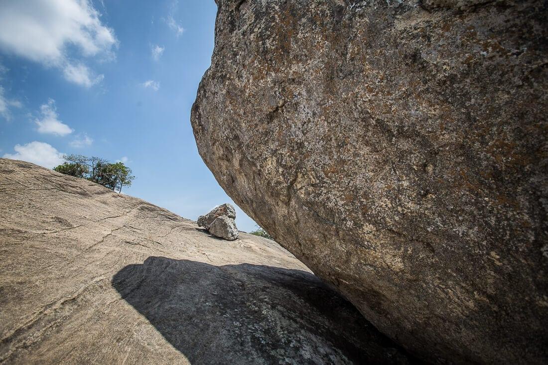 großer und kleiner Stein auf Pidurangala Rock