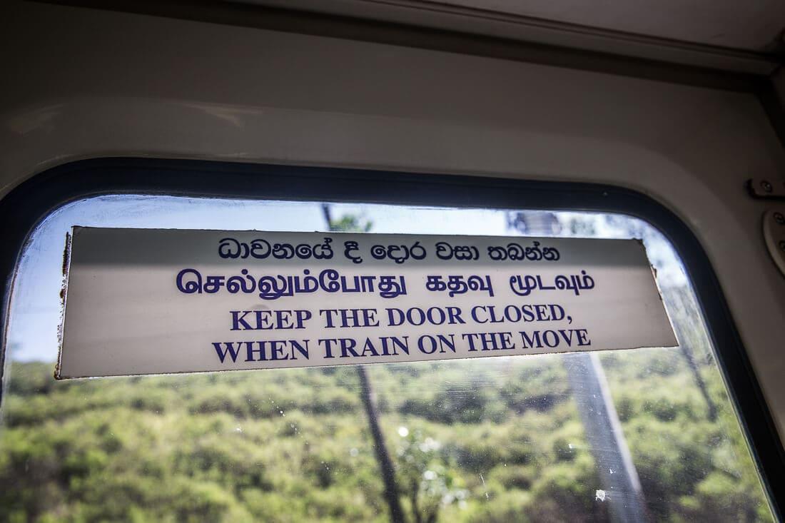 Aufschrift im Zug von Ella