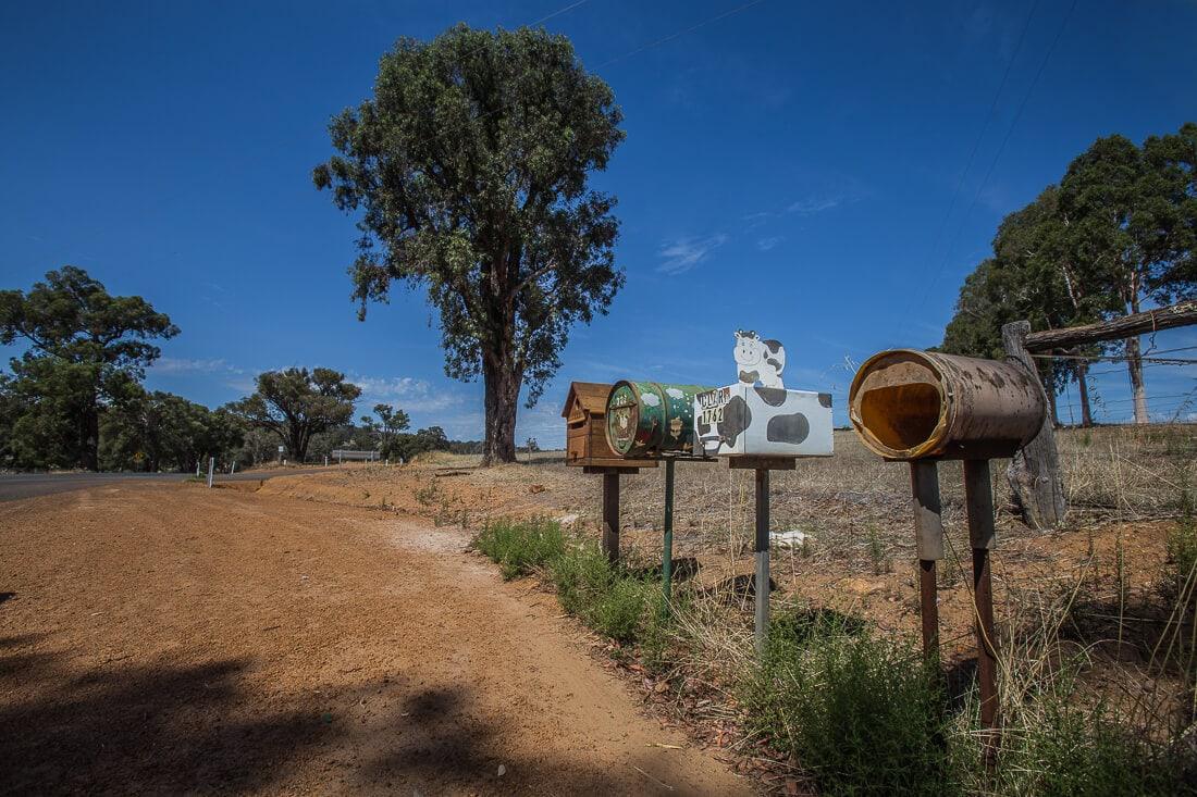 australische Briefkästen im Outback