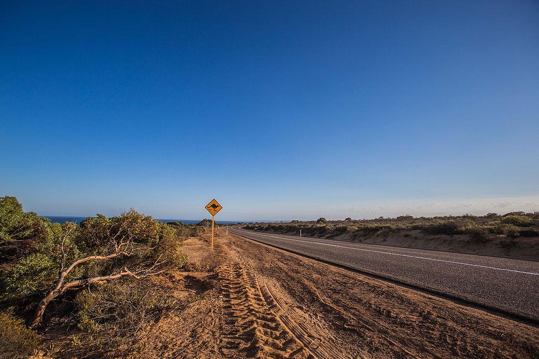 Straße nach Kalbarri und Blick auf´s Meer