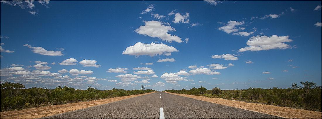 Straße im australischen Outback vom Kalbarri Nationalpark
